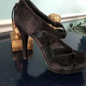 BCBG Black Suede Back Zippered Hi-Heeled 👠 Shoe!